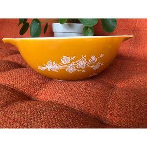 Vintage Kitchen - 🌼NewToCloset  Vtg Pyrex Butterfly Daisy Orange